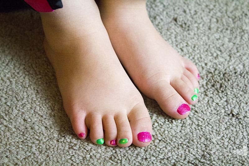 non toxic nail polish for kids ⋆ Homemade for Elle